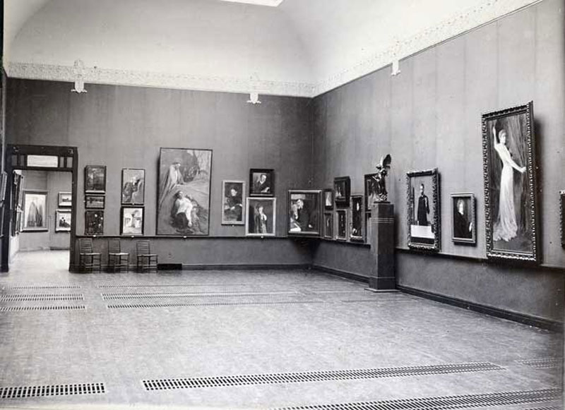 Museon vihkiäisnäyttely vuonna 1904.